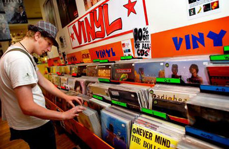 Vinyl Sales Already Up 50 Percent from Last Year, Set to Reach 2.8 Million Units Sold in 2009