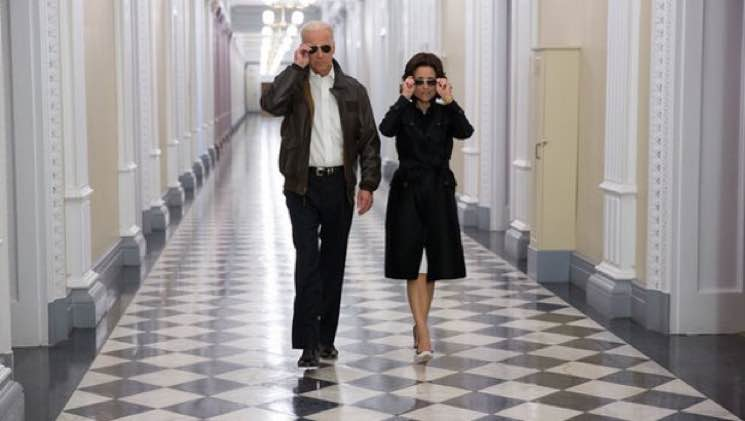 Joe Biden to Julia Louis-Dreyfus: 'We Veeps Stick Together'