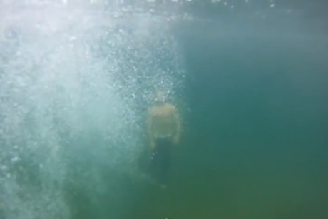 "Chris Velan ""Hang on Tightly"" (video)"