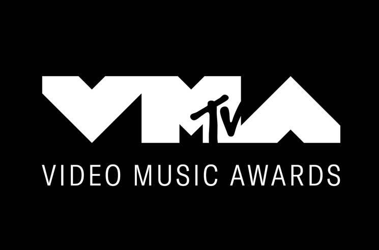 Watch Taylor Swift, Shawn Mendes, Missy Elliott Perform at the VMAs
