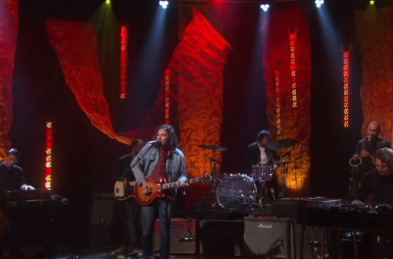"The War on Drugs ""Red Eyes"" (live on 'Ellen')"