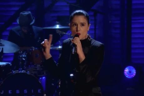 """Jessie Ware """"Running"""" (live on 'Conan')"""