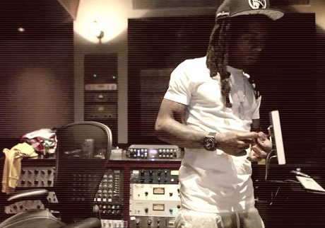 "Lil Wayne ""Grindin'"" (ft. Drake) (video)"