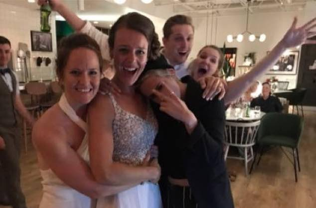 ​Kristen Stewart Crashed a Winnipeg Couple's Wedding