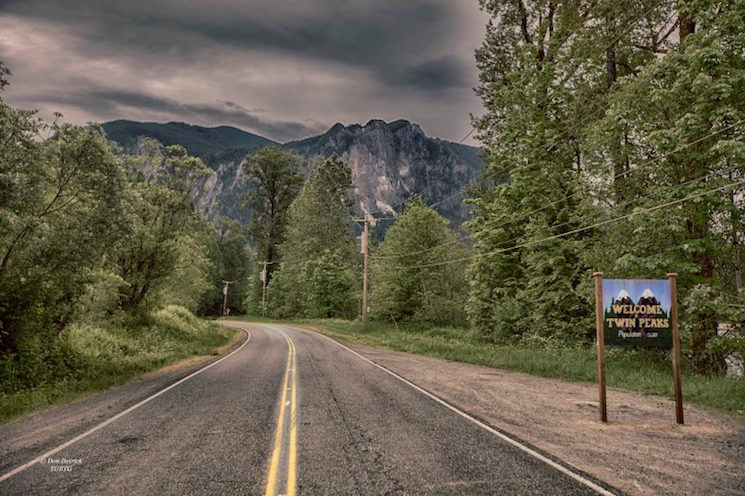 "Washington State Gets Permanent ""Welcome to Twin Peaks"" Sign"