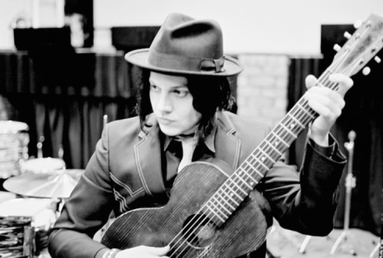 "Jack White Announces Acoustic Tour Before ""Taking a Break from Performing Live"""