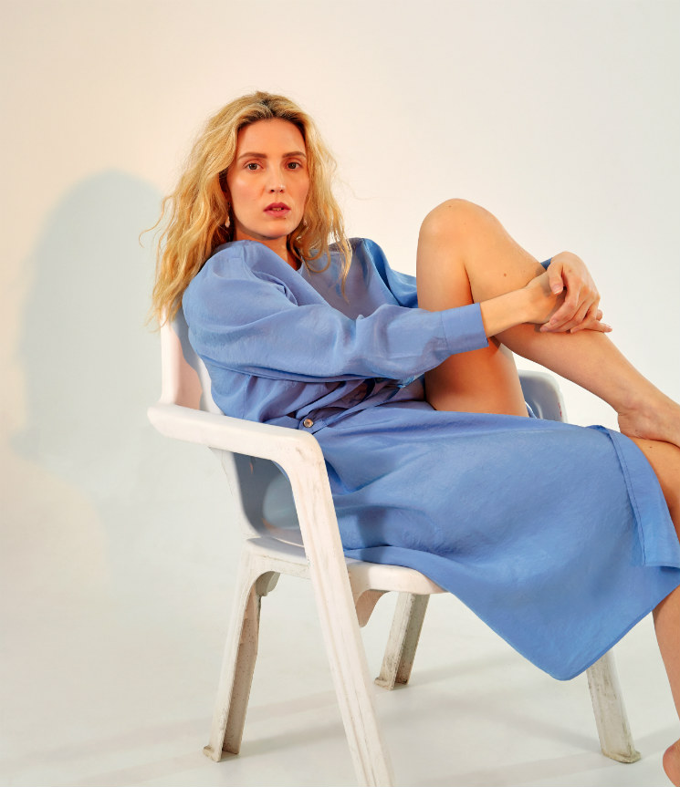 """'Orphan Black' Star Évelyne Brochu's 'Objets perdus' Is a """"Bit of Tenderness"""" in Aggressive Times"""