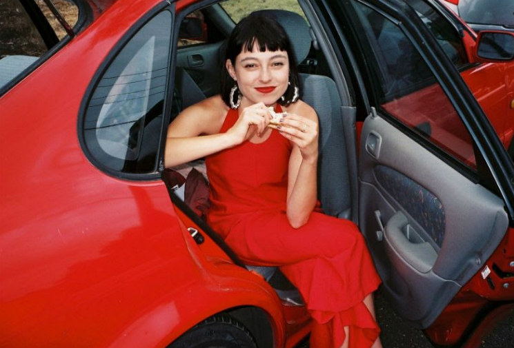Stella Donnelly Mixes Anger and Compassion on 'Beware of the Dogs'