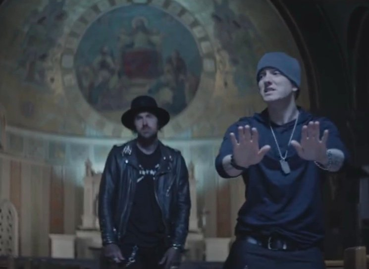Yelawolf 'Best Friend' (ft. Eminem) (video)