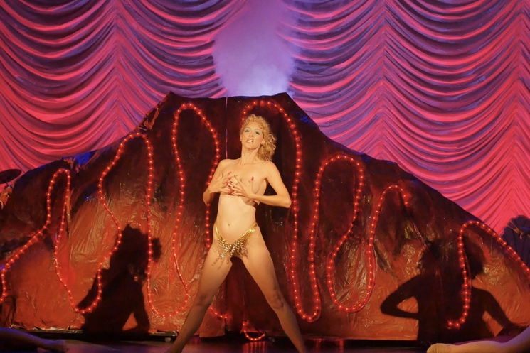 'You Don't Nomi' Delightfully Reveals Why People Are So Obsessed with 'Showgirls' Directed by Jeffrey McHale