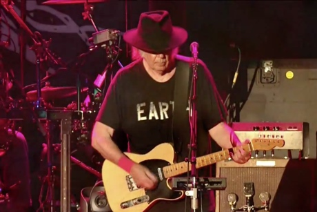 "Neil Young ""Who's Gonna Stand Up?"" (electric version) (video)"