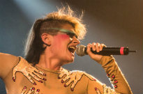 Peaches Covers T. Rex's 'Solid Gold, Easy Action'