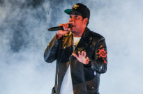 """Watch JAY-Z Remix Drake's """"Know Yourself"""" Onstage in Toronto"""