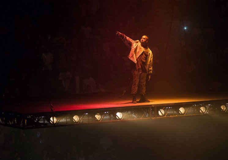 Kanye Glow In The Dark Tour Complete