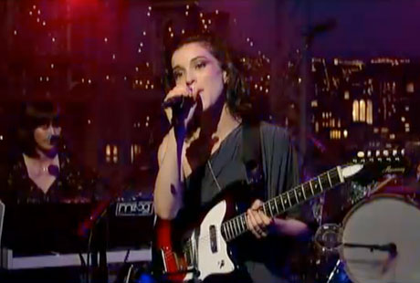 "St. Vincent""Cruel"" (live on 'Letterman') (video)"
