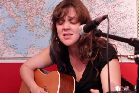 "Amelia Curran""Blackbird on Fire"" on Exclaim! TV"