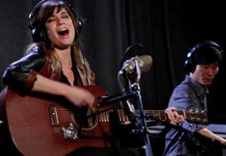 "Nicole Atkins - ""Bird on a Wire"" (Leonard Cohen cover) (video)"