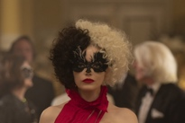 'Cruella' Is Absolutely Nothing Like 'Joker' Directed by Craig Gillespie