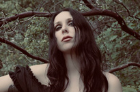 "Chelsea Wolfe Shares New Song ""American Darkness"""