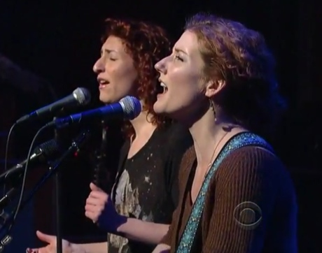 "Kathleen Edwards""Change the Sheets"" (ft. Hannah Georgas) (live on 'Letterman')"