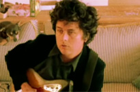 "Billie Joe Armstrong Covers the Bangles' ""Manic Monday"""