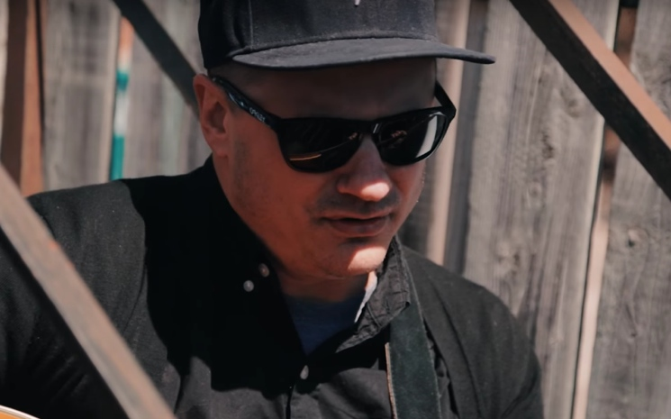 "Jim Bryson""Changing Scenery"" / ""Breathe"" on Exclaim! TV"