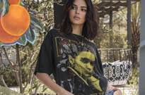 ​Twitter Is Losing Its Mind Over What Kendall and Kylie Jenner Did to These Band T-shirts