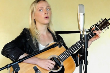"Laura Marling""Once"" on Exclaim! TV"