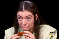Watch Lorde Ruminate on the Sanctity of Pop Music While Scarfing Down Hot Wings