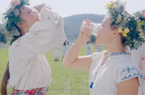 'Midsommar' Lays Humanity Bare at a Swedish Hippie Festival Directed by Ari Aster