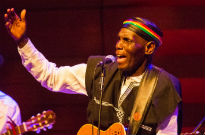 ​Oliver Mtukudzi and the Black Spirits / Kinobe