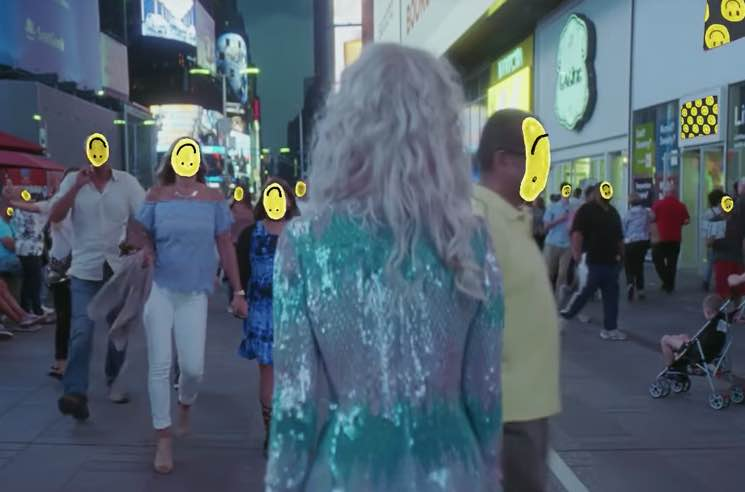 "Paramore ""Fake Happy"" (video)"