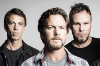 Pearl Jam Cancel London Show After Eddie Vedder Completely Loses His Voice