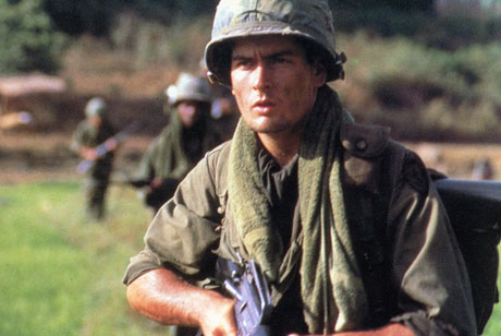 Platoon: 25th Anniversary Edition [Blu-Ray] - Directed by Oliver Stone