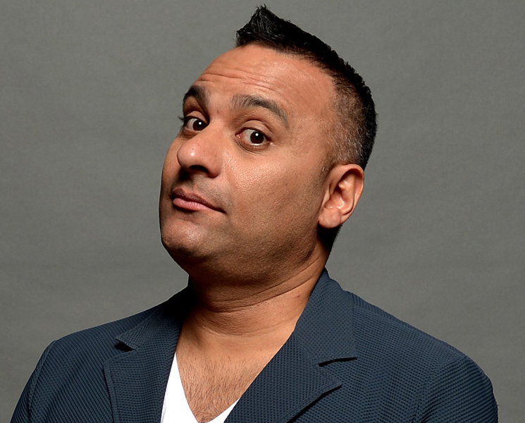 ​Russell Peters Under Fire for Sexist Jokes at Junos