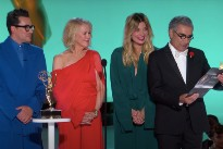 The Roses from 'Schitt's Creek' Reunite to Present at the 2021 Emmys