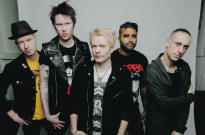 "​Sum 41 Cancel Paris Show Due to ""Explosive Device"" Threat"