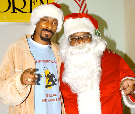 Snoop Dogg Christmas.Snoop Dogg Releases Christmas Album Today