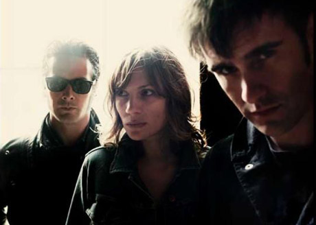 Black Rebel Motorcycle ClubBeat the Devil's Tattoo