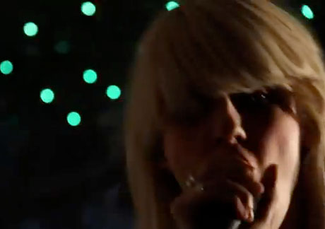 "White Lung""Deadbeat"" (video)"